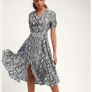 Lulu's Women Snake Print Dress Midi Shirtdress